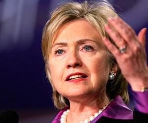 Хиллари Клинтон прилетела в Петербург