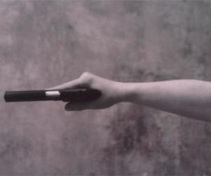 Житель Петербурга пугал прохожих пистолетом