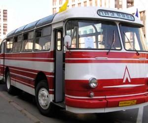 Сегодня запустили маршрут на ретро автобусе
