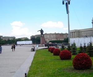 На Московской площади в фонтаны вылили химическое вещество