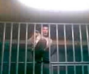 Полицейский отпустивший участника драки, взят под арест