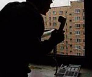 Оперативники Петербурга и Москвы разыскивают «телефонного террориста»