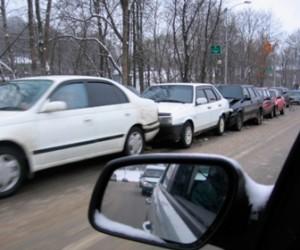 На Приморском проспекте столкнулись четыре автомобиля