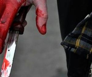 На Речном вокзале кок набросился с ножами на туристов