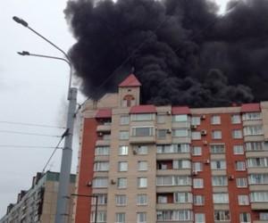 Пожар на кровле в Калининском районе удалось локализовать