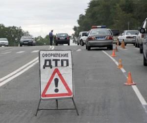 На Мурманской трассе столкнулись два автомобиля