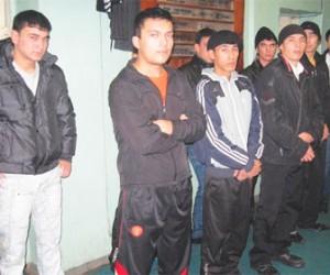 В ходе рейда в Невском районе правоохранительные органы обнаружили незаконное общежитие мигрантов