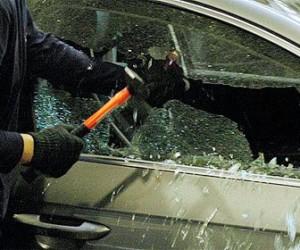 В Купчино у полицейского отобрали автомобиль