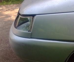Семнадцатилетняя девушка нацарапала на автомобиле своего возлюбленного оскорбительные надписи