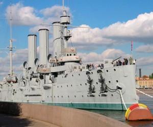 Подводники попросили у Путина сделать «Аврору» президентским кораблем
