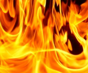Двое мужчин серьезно обгорели во время сбора мусора в центре Санкт-Петербурга