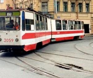 Авария на проспекте Просвещения заблокировало трамвайные пути