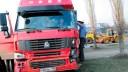 В Выборгском районе легковушка столкнулась с двумя грузовиками