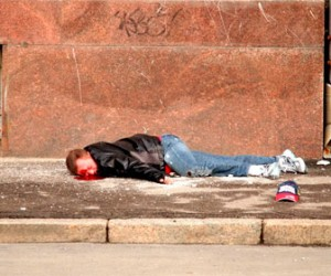 В Приморском районе мужчина упал с тринадцатого этажа