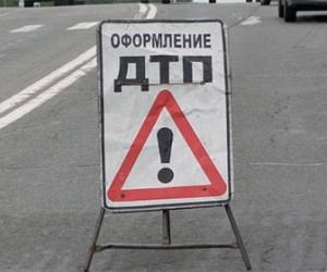 На пересечении улицы Гидротехников и Гражданского проспекта в ДТП пострадала пенсионерка