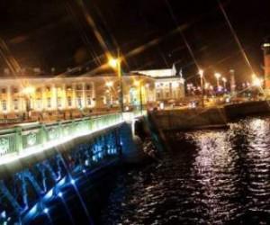 Ремонт Дворцового моста должны закончить к маю 2014-ого