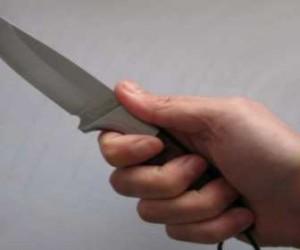 На финского премьера напал БОМЖ с ножом
