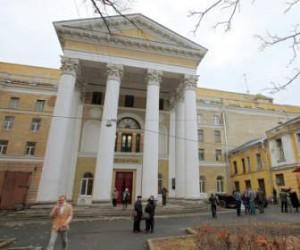 Банк, который одолжит «Ленфильму» деньги, станет известен в следующем месяце