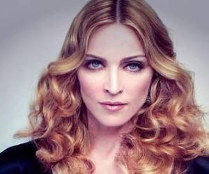 Московский районный суд Петербурга требует явки Мадонны на заседание суда по иску на 333 млн рублей.