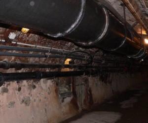 Подвал дома на улице Дудково с весны затоплен канализационными стоками