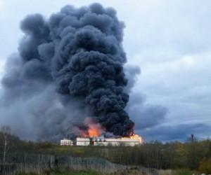 В Малой Вишере полностью сгорел завод по переработке пряностей