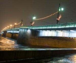 В грядущие выходные ограничат движение по Литейному мосту