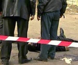 На проспекте Большевиков из автомобиля выбросили труп и уехали