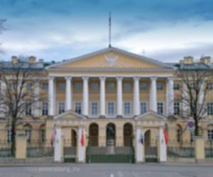 Смольный за два миллиона рублей разработает программу, которая будет отслеживать то, что пишут о чиновниках в интернете