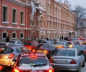 ДТП на мосту Александра Невского полностью перекрыло движение в сторону центра города