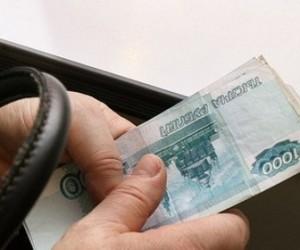 В Красносельском районе должник предложил 10 тысяч рублей, но получил уголовное дело