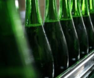 Полиция изъяла шестьсот шестьдесят литров алкоголя, который продавался без лицензии