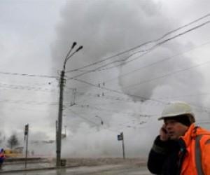 Очередная коммунальная авария на Васильевском спуске