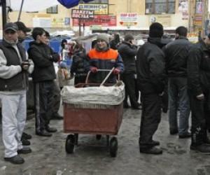Масштабные задержания прошли на территории Апраксина двора