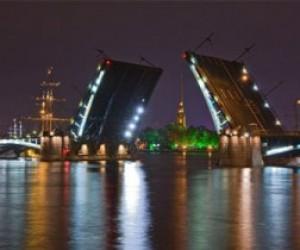 Сегодня ночью в Петербурге разведут три моста