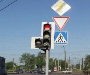 В Петербурге вышли из строя девяносто светофоров