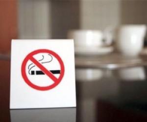 В Петербурге запретят курить в общежитиях и коммуналках