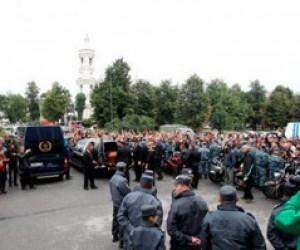 Вокалист «КиШ» Михаил Горшенев похоронен на Богословском кладбище