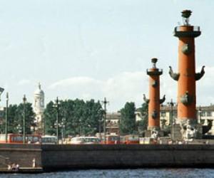 Декоративная реконструкция Ростральных колонн