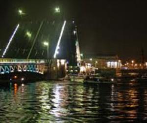 На выходных Дворцовый мост снова будет закрыт