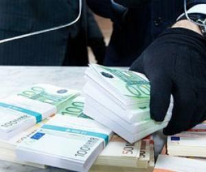 Взломщики ограбили два питерских банка