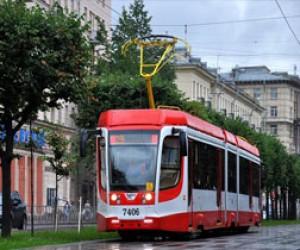 Смольный всё никак не может купить трамвай