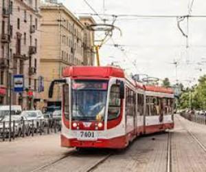 Трамвай переехал молодую девочку