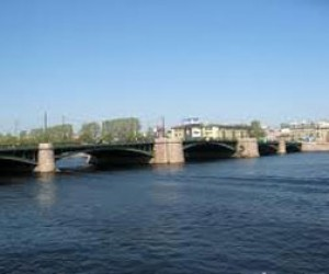 Дерзкое ограбление на Биржевом мосту