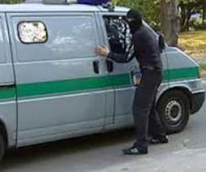 Ограбленный инкассаторский автомобиль полностью соответствует всем требованиям