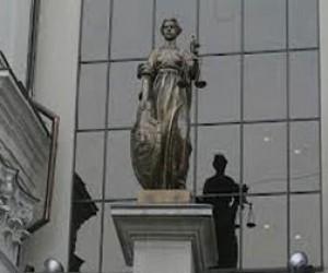 Питерцы против переезда нового суда