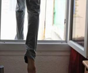 Питерский майор ФСБ выбросился из окна