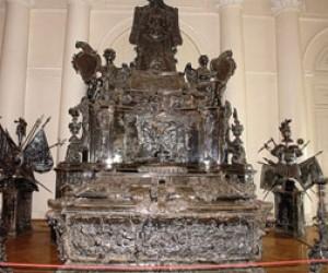 Эрмитаж изготовит копию надгробия Александра Невского?