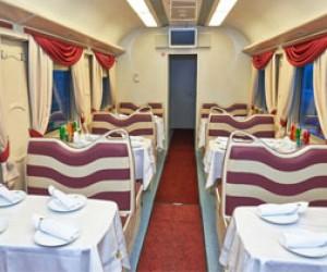 «Свадебные» вагоны в питерских поездах