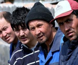 Четверых таджиков будут судить за вымогательство