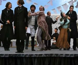 Выставка костюмов героев романов Достоевского